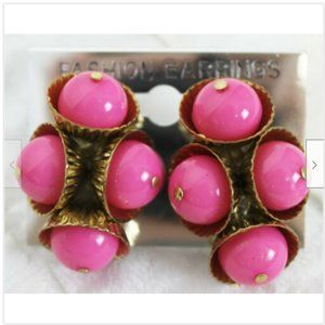 Fashion Earrings Gold Colored Cups w/ Pink Balls C
